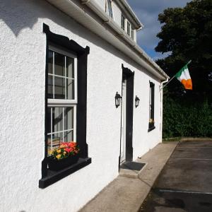 Hotel Pictures: The River House Self Catering Apartment, Dungloe