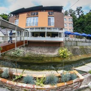 ホテル写真: Hotel Fontana, Zenica