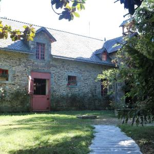 Hotel Pictures: Cottage du Manoir de Trégaray, Sixt-sur-Aff