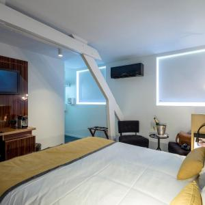 Hotel Pictures: QUALYS-HOTEL Bulles by Forgeron, Seclin