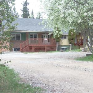 Hotel Pictures: Blaeberry Valley Vacation Rentals, Golden