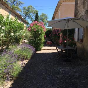 Hotel Pictures: La Manufacture, Villeneuvette