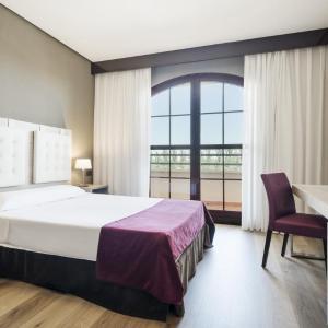Hotel Pictures: Ilunion Golf Badajoz, Badajoz
