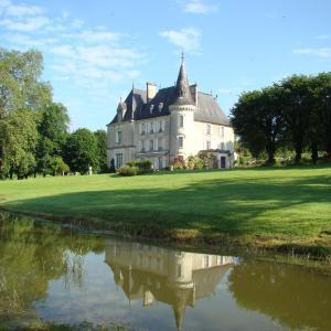 Hotel Pictures: Château de la Chabroulie, Isle
