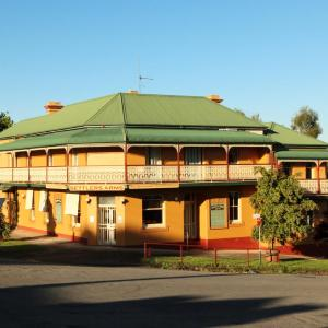Foto Hotel: Settlers Arms Hotel, Dungog