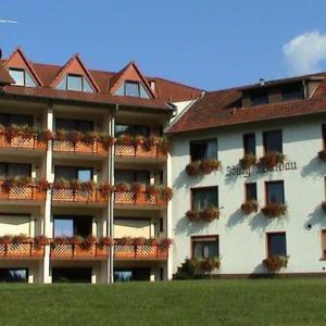 Hotel Pictures: Hotel Burg Waldau, Grasellenbach