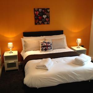 Hotel Pictures: Azalea Terrace Apartments, Sunderland