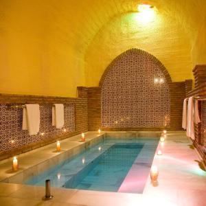 Hotel Pictures: Cuevas Hammam Abuelo Jose, Purullena