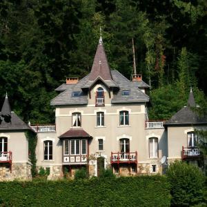 Hotel Pictures: Chambre d'hôtes Le Manoir des Alberges, Uriage-les-Bains