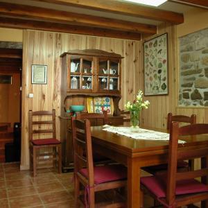 Hotel Pictures: Apartamento Oldabre, Tirapu