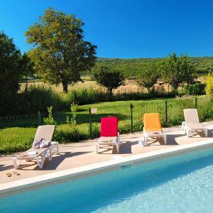 Hotel Pictures: Les 4 Soleils, Bonnieux