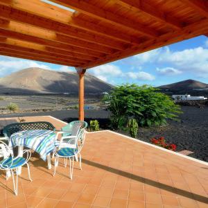 Hotel Pictures: Malvasia Stunning Mountain Views, La Vegueta