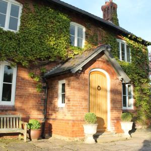 Hotel Pictures: The Jockey Room Hideaway, Spurstow
