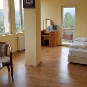 Hotel Pictures: Hotel Grodi, Starozagorski Bani