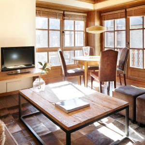 Hotel Pictures: Apartamento Val de Ruda Luxe XI, Baqueira-Beret