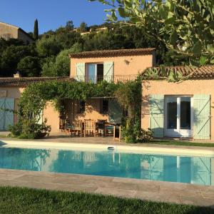 Hotel Pictures: Villa 'La vie est belle...!', Cavalaire-sur-Mer