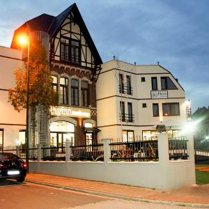 Foto Hotel: Fly Inn Hotel & Lounge - Brussels Airport, Diegem
