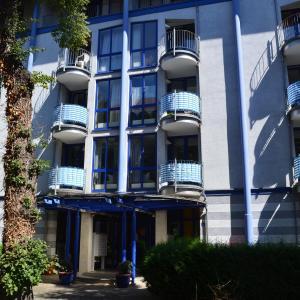 """Hotelbilleder: Gästeappartements """"Das Blaue"""" im Blauen Palais, Leipzig"""