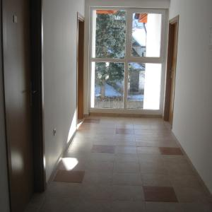 Hotel Pictures: Apartment Forest View, Govedartsi