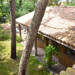 Hotel Pictures: Maison bois au calme, Cap-Ferret