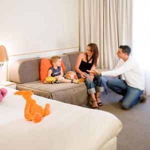 Hotel Pictures: Novotel Perpignan, Rivesaltes
