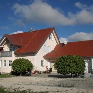 Hotel Pictures: Ferienwohnung Elisabeth, Riedenburg