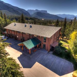 Hotel Pictures: Overlander Mountain Lodge, Jasper National Park Entrance