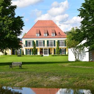 Hotelbilleder: Gut Altholz Landhotel und Restaurant Hutter, Plattling