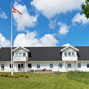 Hotel Pictures: Holiday Home Lærkesøvej, Gudhjem