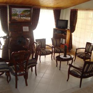 Hotel Pictures: Cabañas Villa del Dorado, Paipa