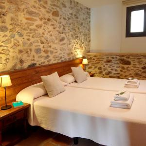 Hotel Pictures: Vilars 10, Espolla
