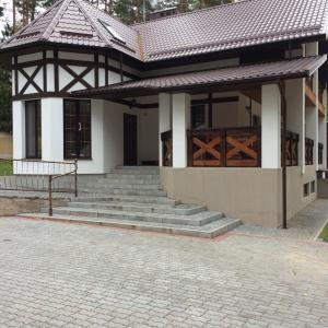 Hotellbilder: Agrousadba Sosnovij Raj, Yezhona
