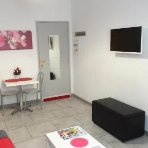 Hotel Pictures: Studio Aub, Aubenas