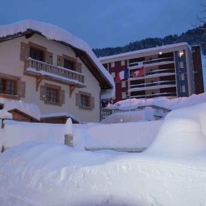 Hotel Pictures: Relais Mont Jura Adults Only, Lélex