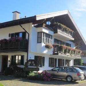 Hotel Pictures: Hotel Rosenhof, Ruhpolding