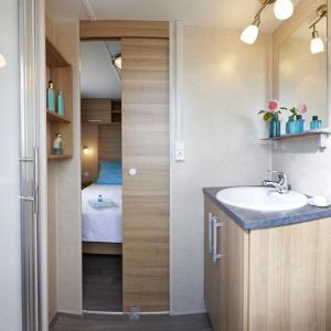 Hotel Pictures: Camping Le Parc de Paris, Villevaudé