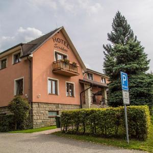 Hotel Pictures: Hotel Sirákov, Liptál