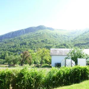 Hotel Pictures: villa pascalou, Campan