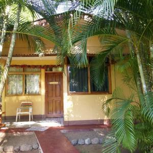 Hotel Pictures: Corozalito Turtle Lodge, Carrillo