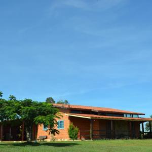 Hotel Pictures: Chácara Monte Azul, Atibaia