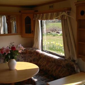 Hotel Pictures: Caravan by Sea, Morfa Nefyn