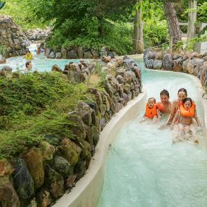 Hotel Pictures: Center Parcs Les Bois Francs, Verneuil-sur-Avre