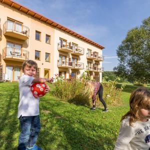 Hotel Pictures: Familien Hotel Krainz, Loipersdorf bei Fürstenfeld