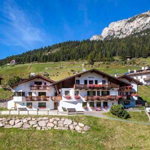 Zdjęcia hotelu: Hotel Garni Morene, Selva di Val Gardena