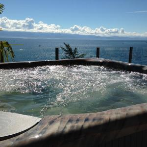 Hotel Pictures: Rocky Point Vacation Rentals, Sooke