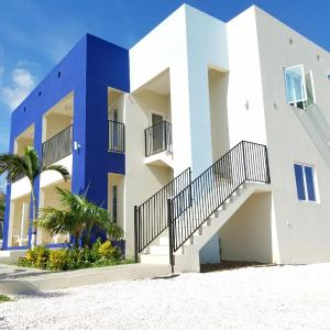 Hotel Pictures: CuraCozy Apartments, Willemstad