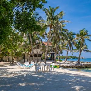 Hotel Pictures: Sal Si Puedes, El Islote