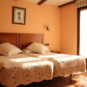 Hotel Pictures: Hostal Camino Real, Pedrajas de San Esteban