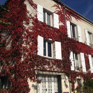 Hotel Pictures: Chambres d'hôtes Les Magnolias, Saint-Chéron