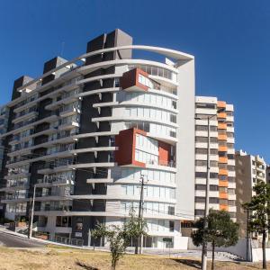 Hotel Pictures: Apartamentos Rembrandt, Quito